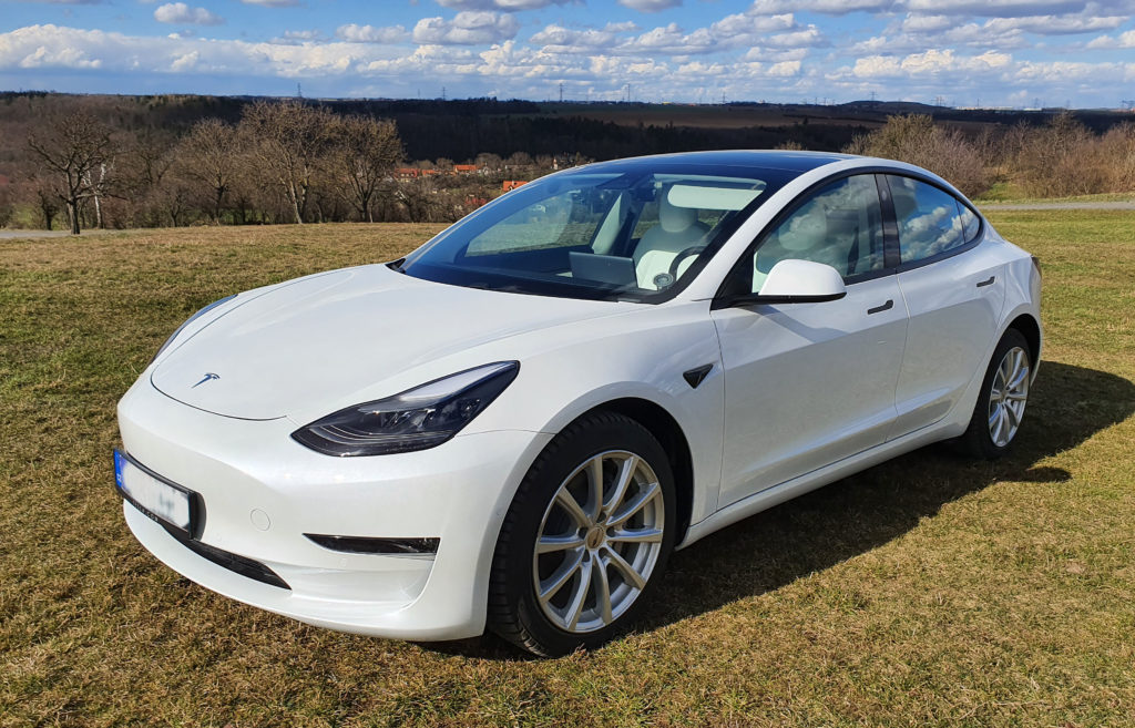 Supporting clean environment using Tesla cars